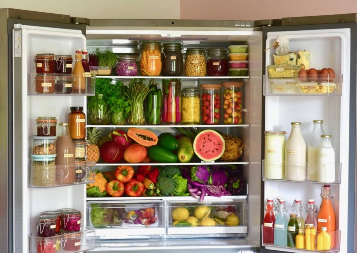 8-Hacks-for-Keeping-Food-Fresh-Longer-in-the-Fridge
